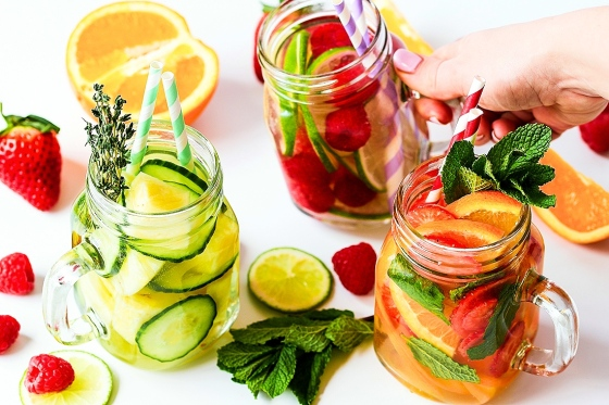 fruit infused water benefits, infused water recipes for weight loss, detox water for weight loss and clear skin, lemon infused water recipe, fruit infused water combinations, mason jar infused water recipes, herb infused water, simple infused water, what is infused water, simple infused water,